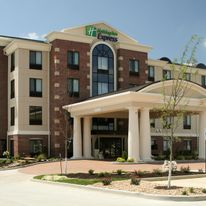 Holiday Inn Express Suites Marion
