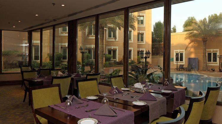 Holiday Inn Al Khobar Restaurant
