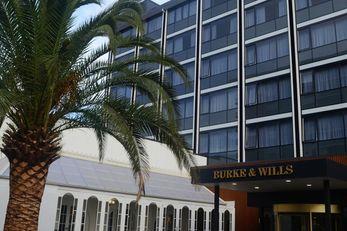 Burke & Wills Hotel