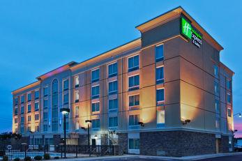 Holiday Inn Express & Suites Jackson NE