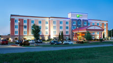 Holiday Inn Express Hotel & Suites Bixby