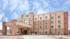 Holiday Inn Express And Suite East