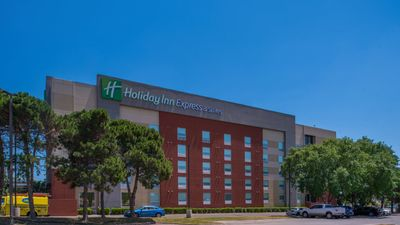 Holiday Inn Express & Suites Medical