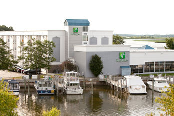 Holiday Inn Grand Haven Waterfront