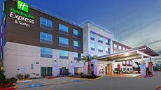 Holiday Inn Express & Suites Brenham
