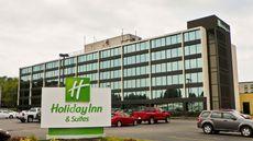 Holiday Inn Hotel & Suites Charleston W