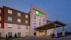 Holiday Inn Express & Suites Bay City