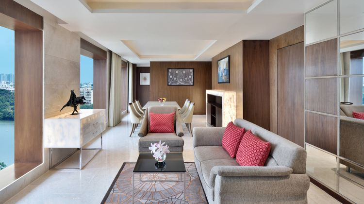 Courtyard by Marriott Bengaluru Hebbal Suite