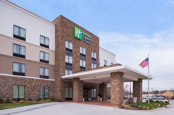 Holiday Inn Express & Suites Monroe