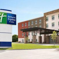 Holiday Inn Express Oak Grove