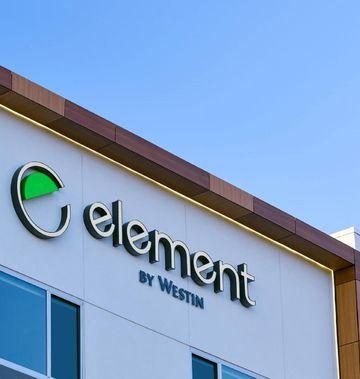 Element Hampton Peninsula Town