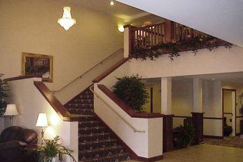 Plaza Hotel & Suites Winona