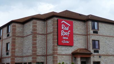 Red Roof Inn & Suites Detroit-Melvindale