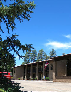 Forest Lakes Lodge