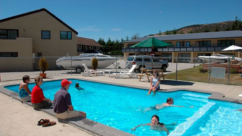 Fairway Lodge Motel Exterior