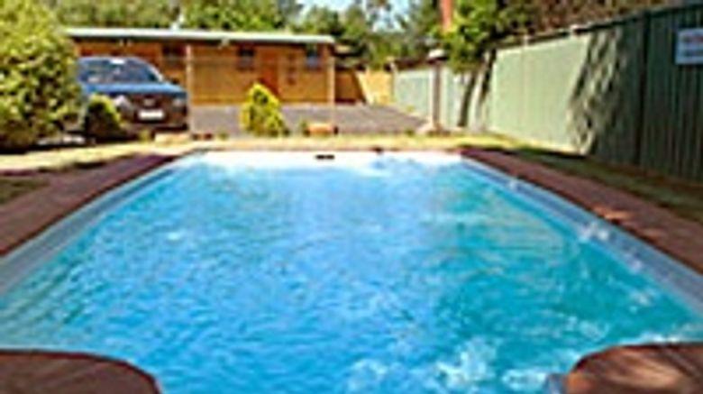 Avondel Motor Inn Pool