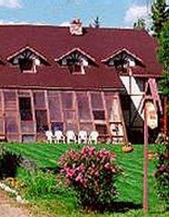7 Gables Inn & Suites