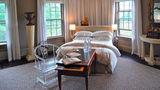 Windsor Mansion Inn Suite
