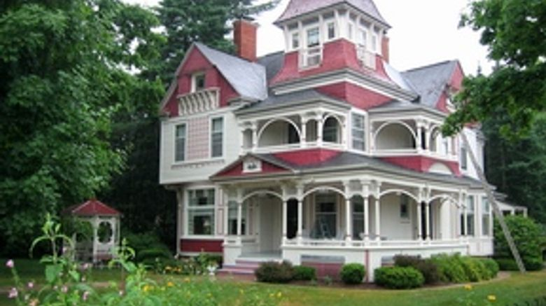 Grand Victorian Bed  and  Breakfast Exterior
