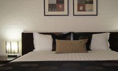 Blazing Stump Motel & Suites