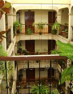 Don Quijote Plaza Hotel