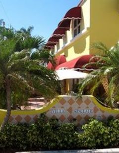 Villa Sinclair Beach Suites & Spa