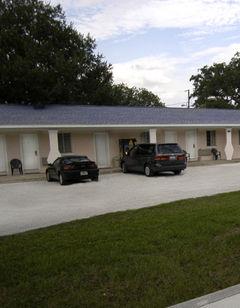 Mar Bay Motel & Suites