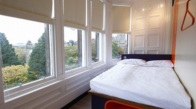 easyHotel Edinburgh Princes Street Room