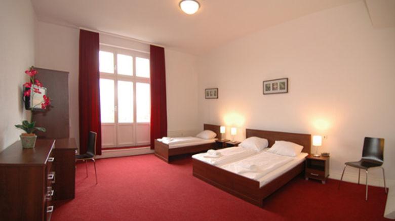 Mikon Eastgate Hotel Room