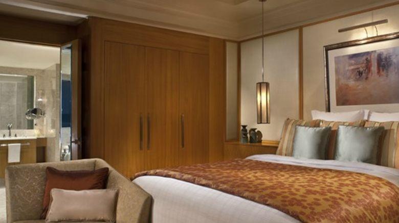 Ritz-Carlton Executive Residences, Dubai Room