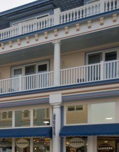Bicycle Street Inn & Suites