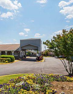 Quality Inn & Suites Haywood Mall Area