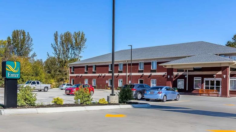 """Quality Inn Pleasant View Exterior. Images powered by <a href=""""http://web.iceportal.com"""" target=""""_blank"""" rel=""""noopener"""">Ice Portal</a>."""