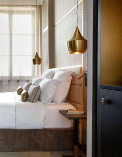 Niepce Paris Hotel, Curio Collection