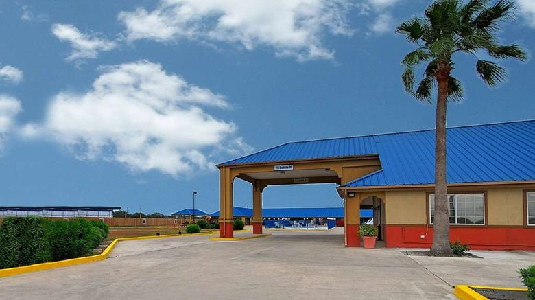 """Americas Best Value Inn Sinton Exterior. Images powered by <a href=""""http://web.iceportal.com"""" target=""""_blank"""" rel=""""noopener"""">Ice Portal</a>."""