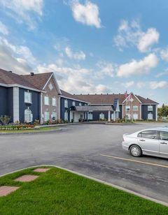 Quality Inn & Suites Oakville, ON