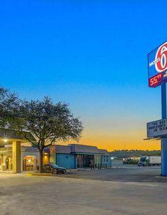 Motel 6 Sonora