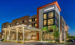 Cambria Charleston Riverview Hotel