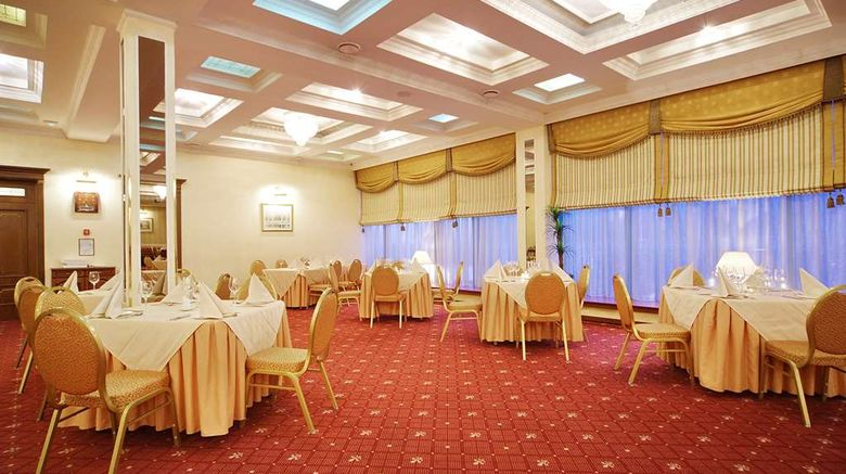 """<b>Park Inn by Radisson Poliarne Zori Ballroom</b>. Images powered by <a href=""""https://iceportal.shijigroup.com/"""" title=""""IcePortal"""" target=""""_blank"""">IcePortal</a>."""