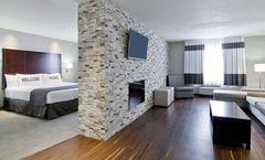 Home Inn & Suites Regina Airport Hotel