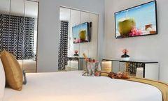 Oceanside Hotel & Suites