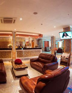 Tiffany Diamond Hotel Makunganya