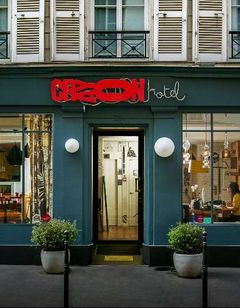 Crayon Hotel Paris