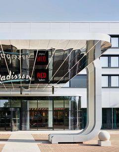 Radisson Hotel & Conf Centre London