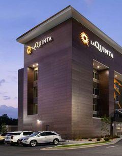 La Quinta Inn & Suites by Wyndham