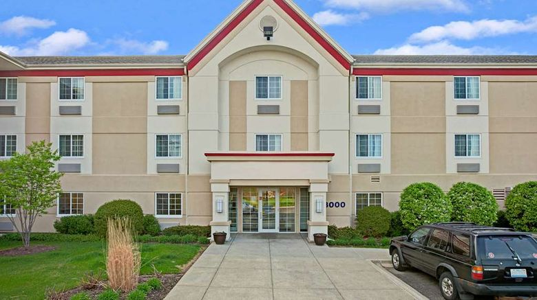 """MainStay Suites Northbrook Wheeling Exterior. Images powered by <a href=""""http://web.iceportal.com"""" target=""""_blank"""" rel=""""noopener"""">Ice Portal</a>."""