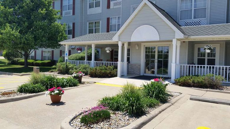 """Country Inn  and  Suites Bloomington-Normal West Exterior. Images powered by <a href=""""http://web.iceportal.com"""" target=""""_blank"""" rel=""""noopener"""">Ice Portal</a>."""