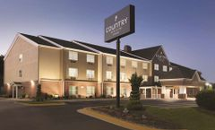 Country Inn & Suites by Radisson DC East