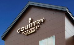Country Inn & Stes-Monterey Beachfront