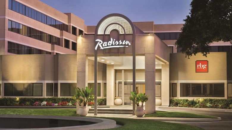 """Radisson Hotel Sunnyvale–Silicon Valley Exterior. Images powered by <a href=""""http://web.iceportal.com"""" target=""""_blank"""" rel=""""noopener"""">Ice Portal</a>."""